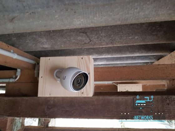 Zweite Kamerakiste geschlossen (verschraubt) mit Kamera