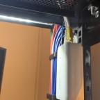 PoE Injektor für den AP AC Pro auf dem Dach des ServerRacks